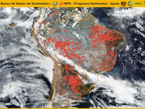 Fumaça de queimadas no centro-norte do país atinge SC